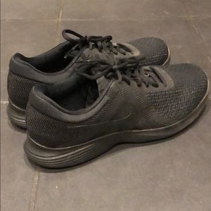 Nike Revolution shoes Running Black Size 10.5 New